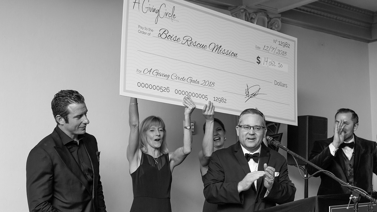 first annual fundraiser gala for A Giving Circle the Wyakin Foundation was gifted over $39,000